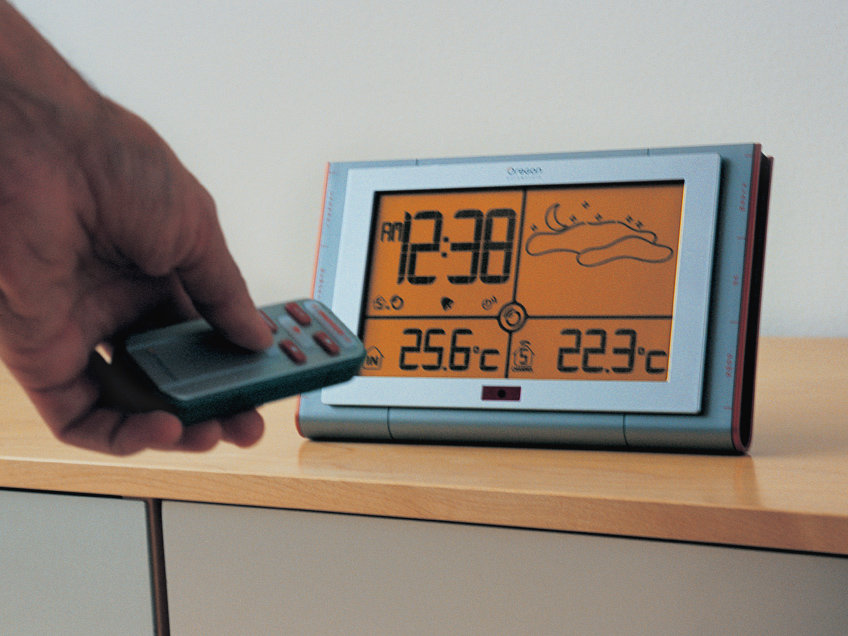 ondesign-oregon-slim-weather-station-product-design-thumbs